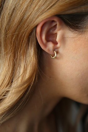 Tutti and Co Aurora Earrings Gold .