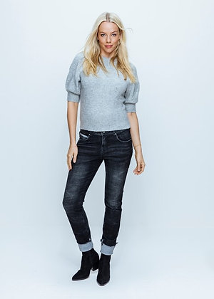 Red Button Lulu Turn-up Jeans. Black.