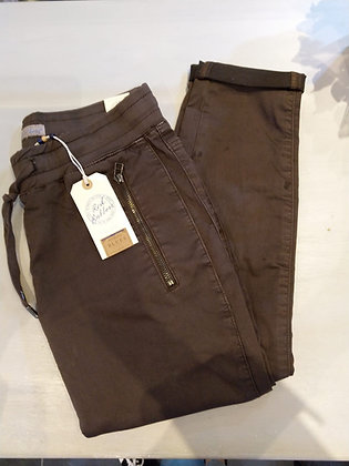 Red Button Tessy Joggers Chocolate.