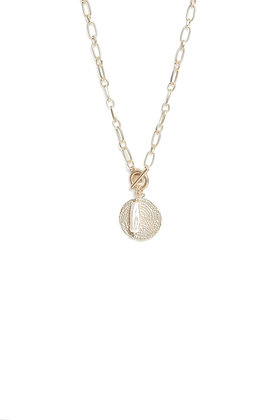 Envy Short Gold Necklace With Gold and Pearl Pendant