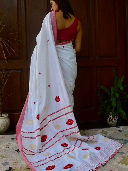 Back view of white cotton saree