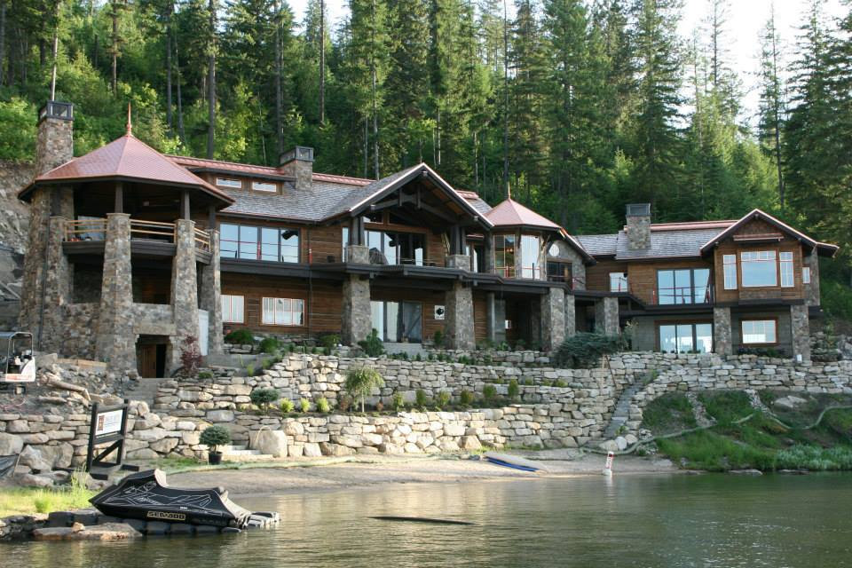 Lake front cabin in Northern Idaho