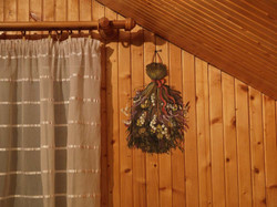 Trompe L'oeil with dry flowers