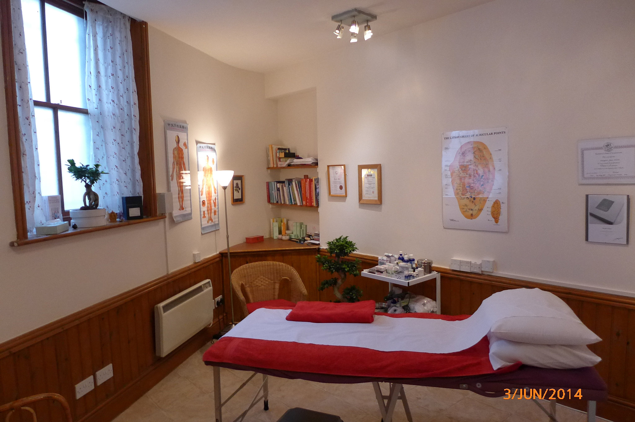naturalhealthclinicbramptoncouk Acupuncture roomJPG
