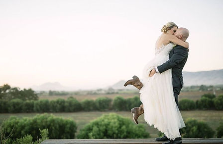 Bride and Groom, Pick Me Up Kiss