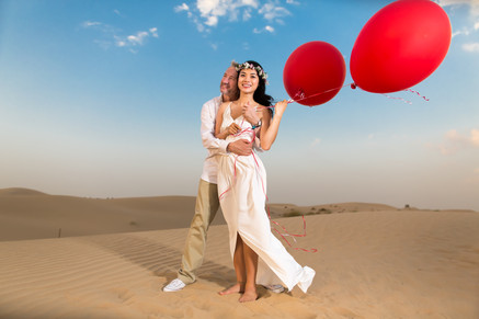 Beautiful-desert-bride-groom.jpg
