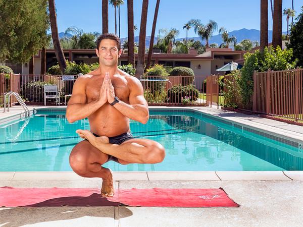Tom_Dean_POOL_Yoga_203.jpg