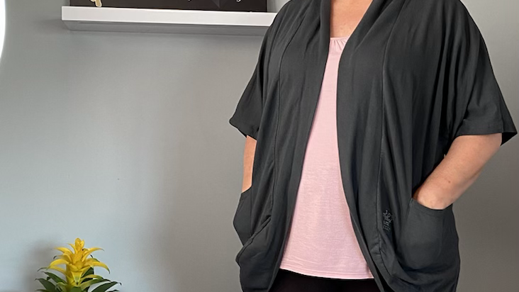 Grey jacket 100% label