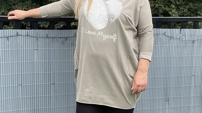 Love heart two pocket top