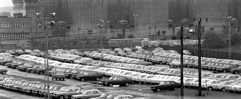 Chrysler 180s at Factory