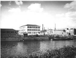 Unic factory 'greyscale'