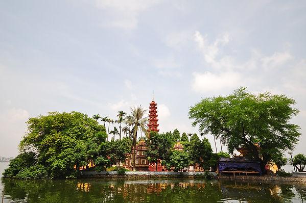Tran Quoc Pagoda Hanoi Travel Guide