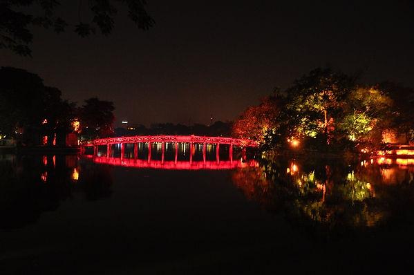 hoan-kiem-lake-attraction.jpg