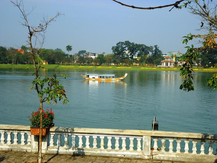 Hue Dragon Boat World Heritage Sites of Vietnam