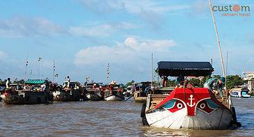 boat at cai rang market