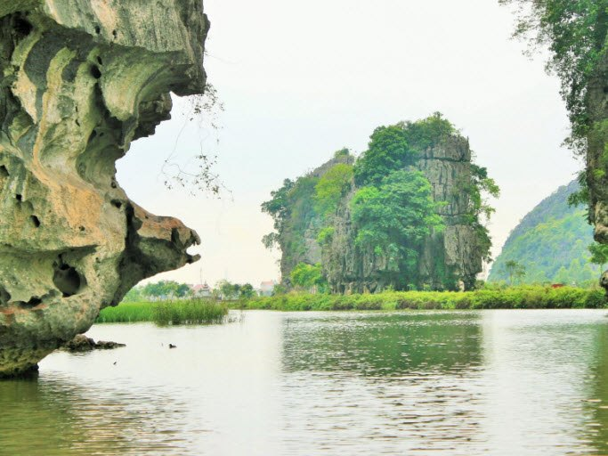 Karst formations in Tam Coc