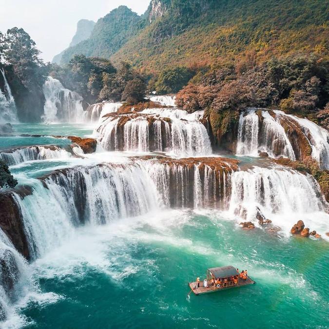 Ban Gioc waterfall - Cao Bang - Vietnam.