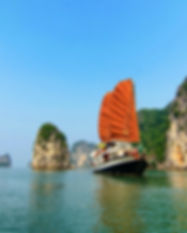 Halong-bay-cruise-Prince-junk-1_edited.j