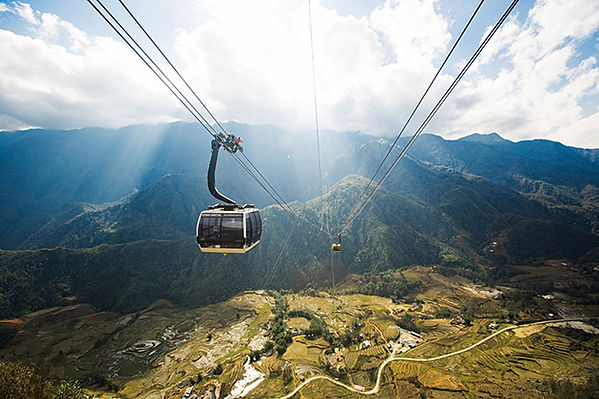 Fansipan-Sapa-Cable-car.jpg