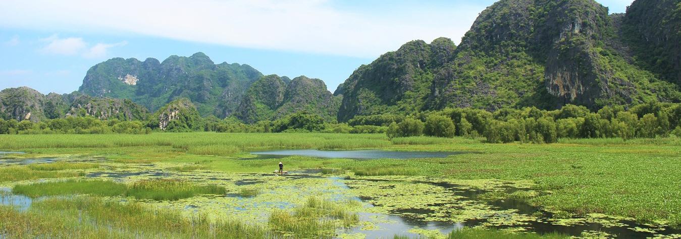 Van Long, Ninh Binh