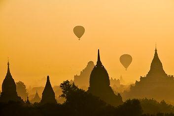 hot-air balloom in Bagan