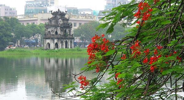 Hoan Kiem Lake.Hanoi Travel Guide