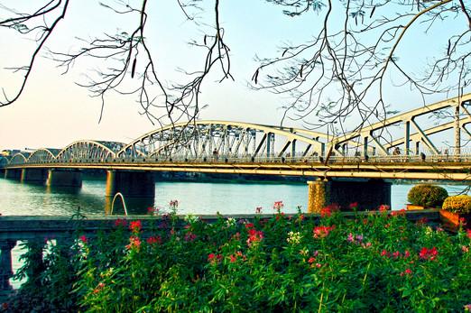 Trang Tien Bridge, Hue World Heritage Sites of Vietnam