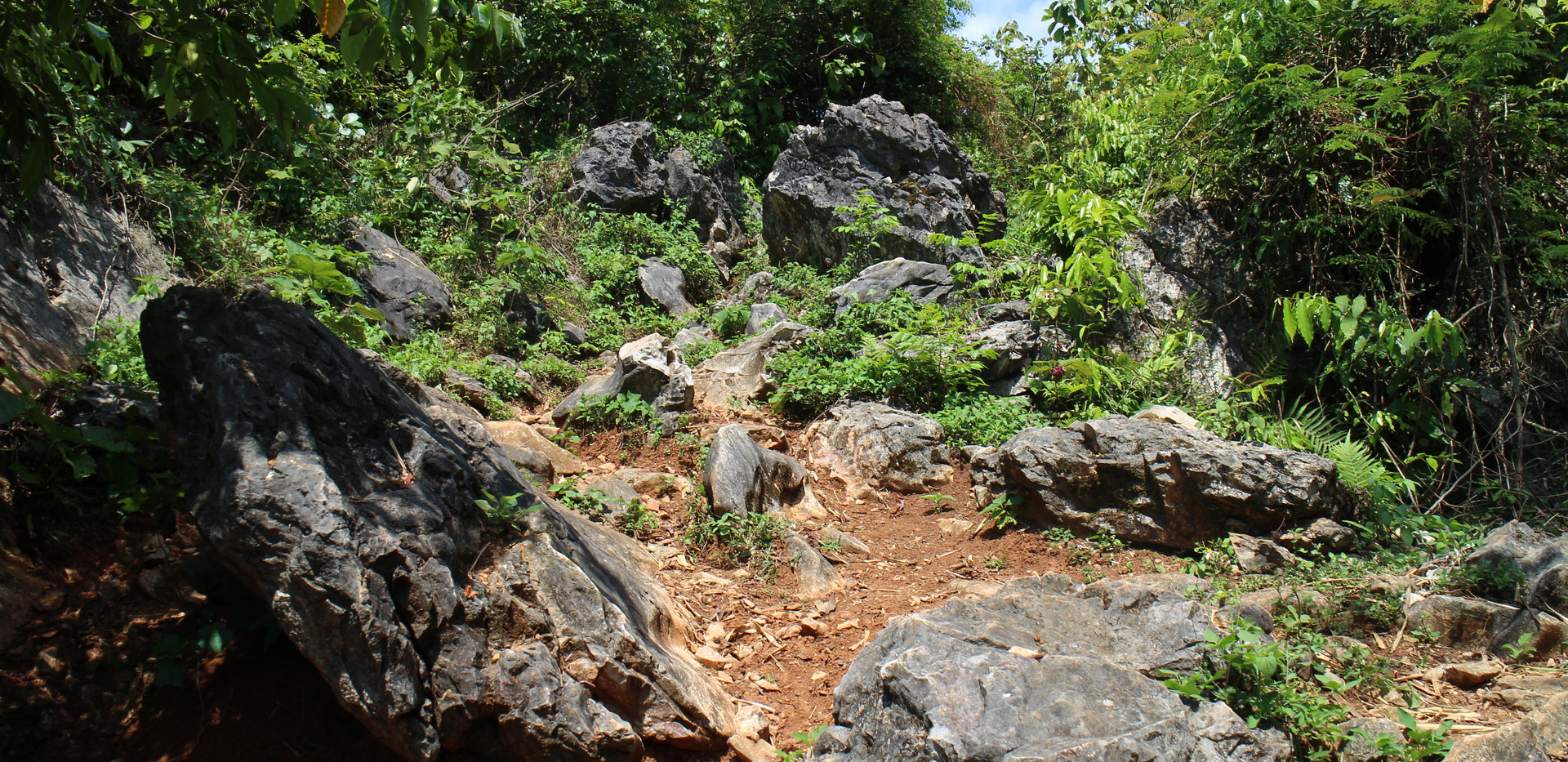 Rock trails in Bac Son