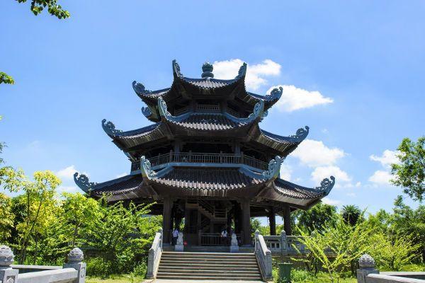 bai-dinh-bell-tower.jpg