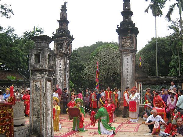 festival in Dinh Temple Hoa Lu Ninh Binh