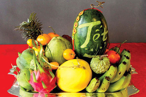tray-of-five-fruits-tet-holiday-vietnam-the principal holidays and festival in Vietnam