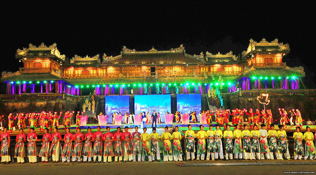 festival-hue the principal holidays and festival in Vietnam