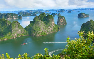 Halong-Bay-Ha-Long-Vietnam-Store-Wallpap