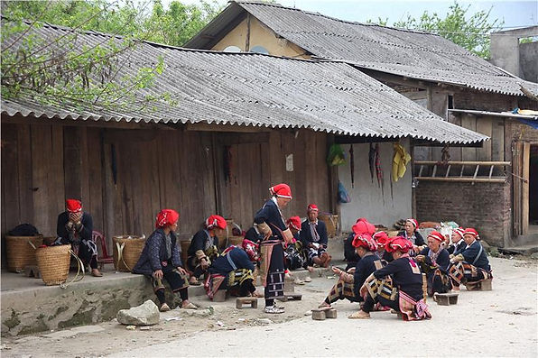 ta-phin-village-red-dao-ethnic-people.jp