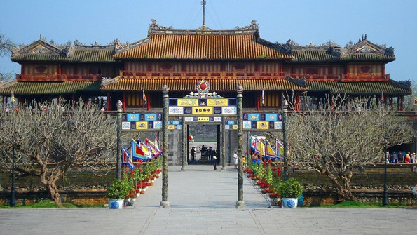 The Complex of Hue Monuments World Heritage Sites of Vietnam World Heritage Sites of Vietnam