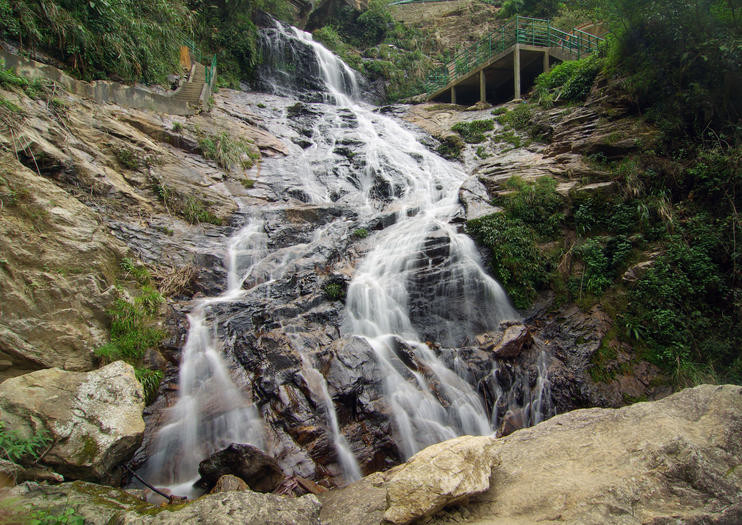 silver waterfal sapa.jpg