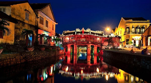Hoi An travel guide Hoi An's Japanese covered bridge.jpg