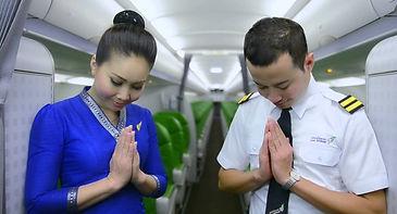 lao-airlines-crew