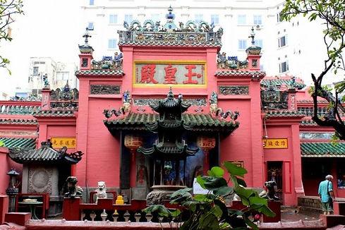 Jade Emperor Pagoda HCMSai Gon Travel Guide
