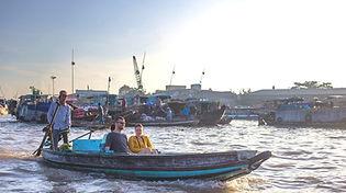 Floating market of Cai Rang