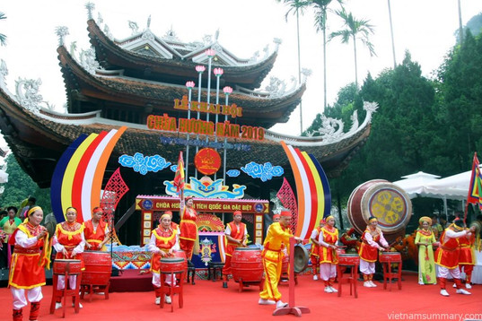 the principal holidays and festival in Vietnam
