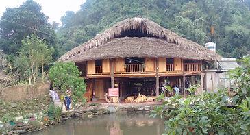 tay people stilt house
