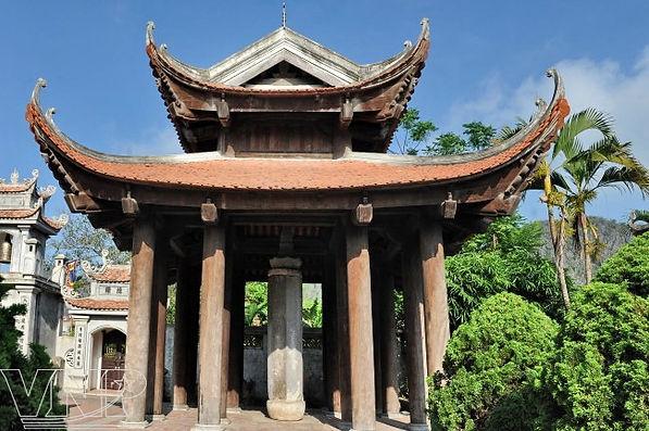 Nhat Tru Pagoda.jpg