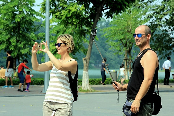 foreign visitors in Vietnam.jpg