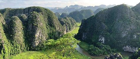Ngoa Long Mountain