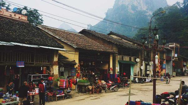 ha-giang-market-dong-van-old-quarter.jpg