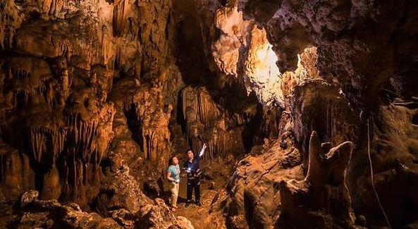Mai Chau Travel Guide mo luong cave.jpg