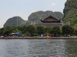 Samplan Boat in Trang An