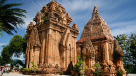Ponagar-Cham-towers-in-NhaTrang the hidden places in central vietnam