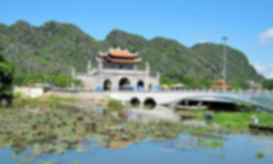 tour to Hoa Lu